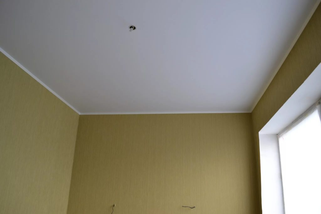 матовые натяжные потолки 1