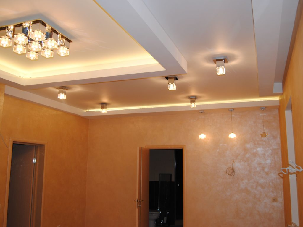 Многоуровневые натяжные потолки 4