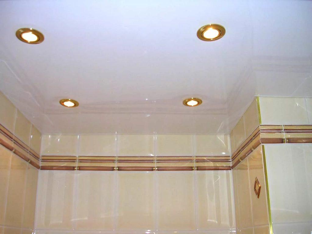 Натяжные потолки в ванную 10