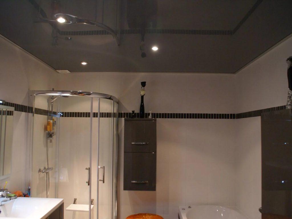 Натяжные потолки в ванную 14