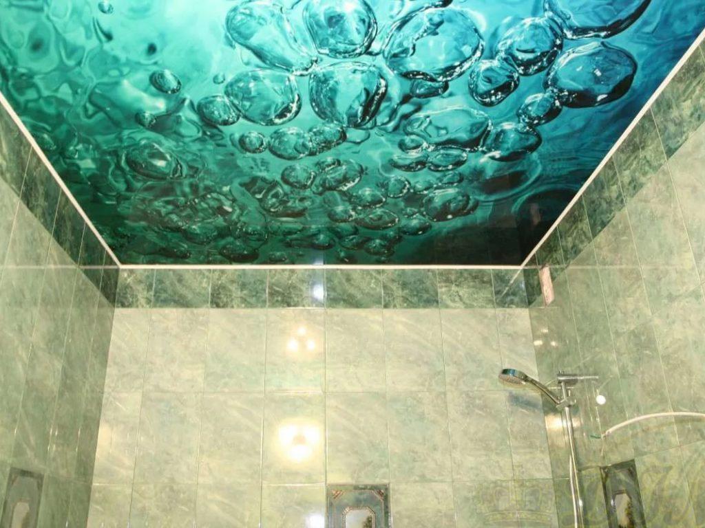 Натяжные потолки в ванную 2
