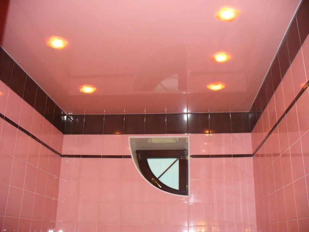 Натяжные потолки в ванную 4