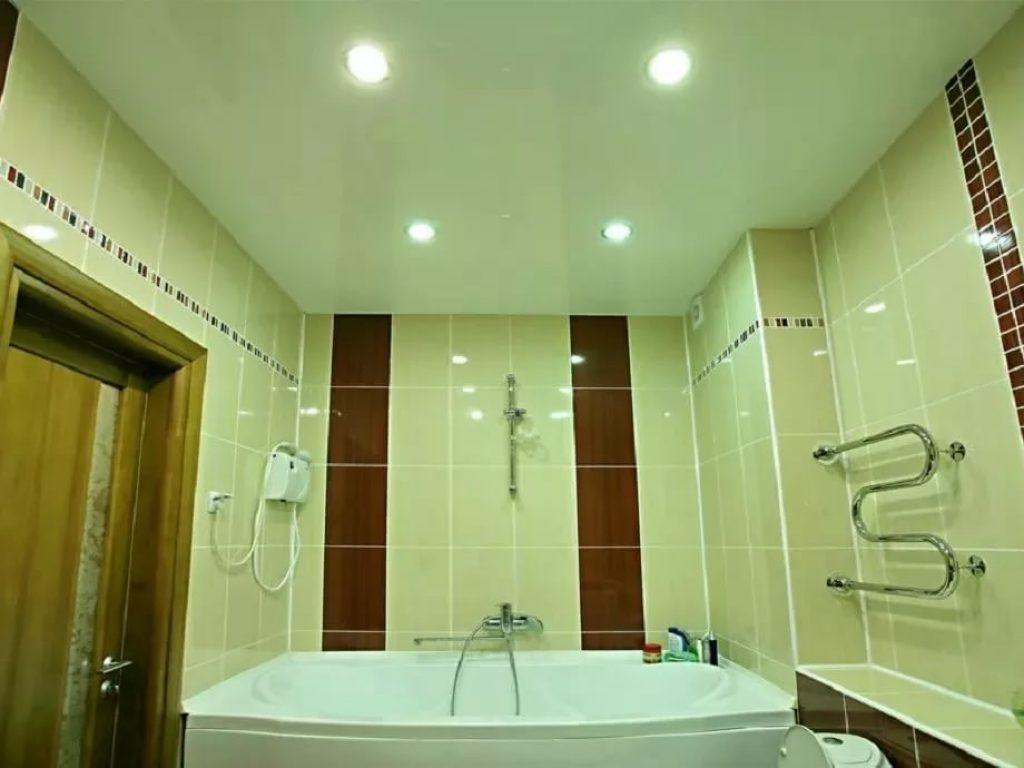 Натяжные потолки в ванную 8