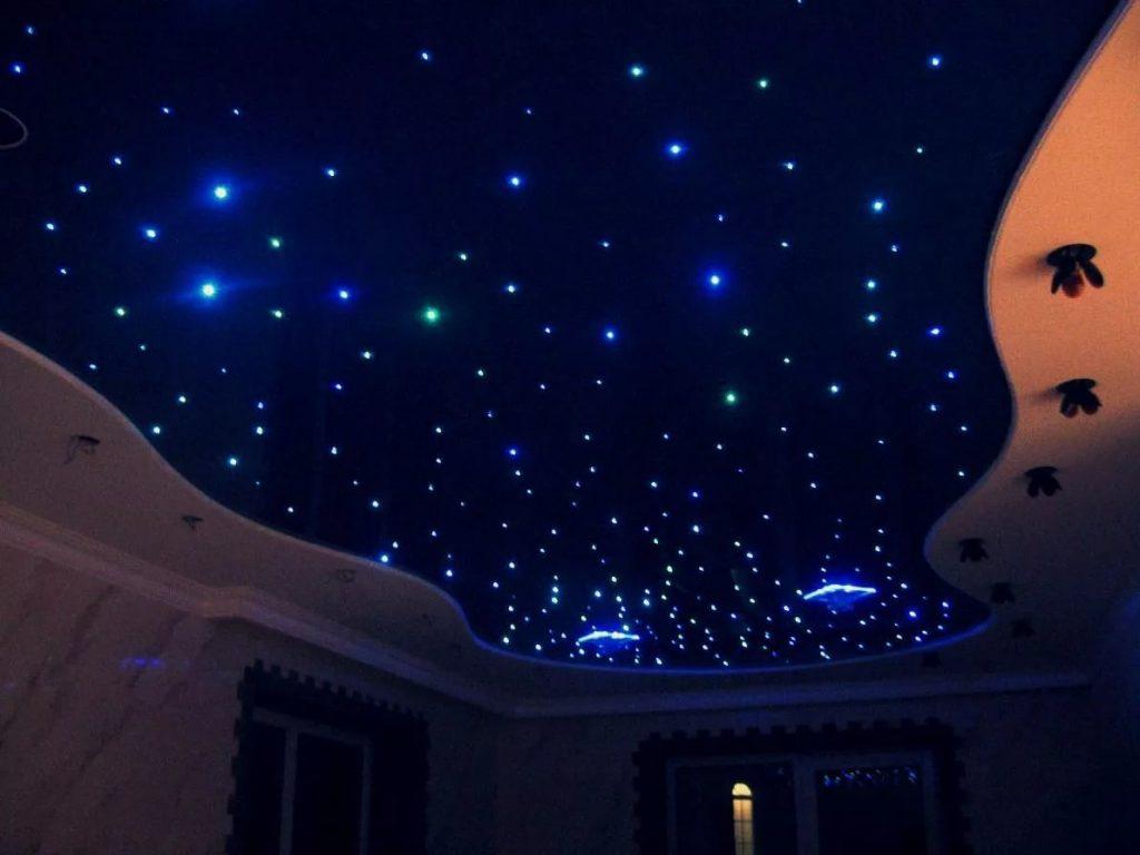 Натяжные потолки звездное небо 12