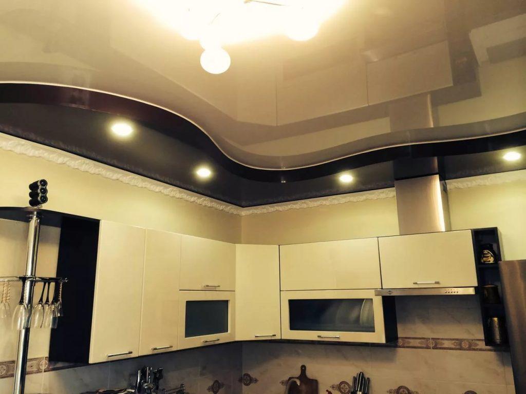 Натяжные потолки на кухню 12