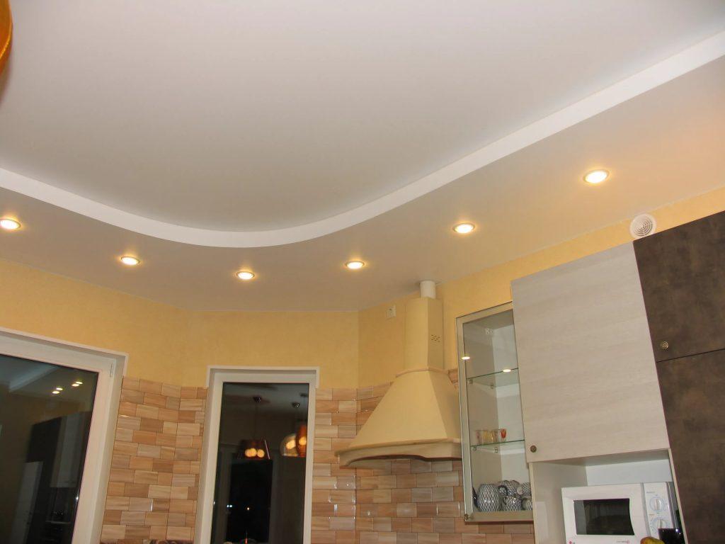Натяжные потолки на кухню 14