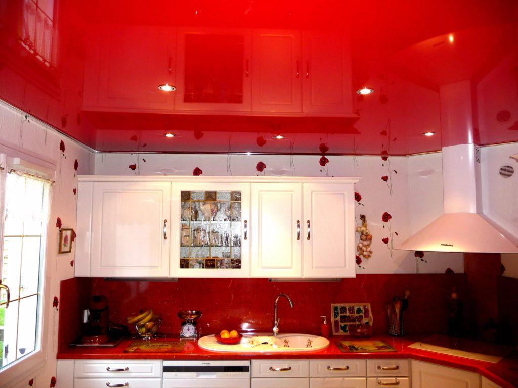 Натяжные потолки на кухню 3
